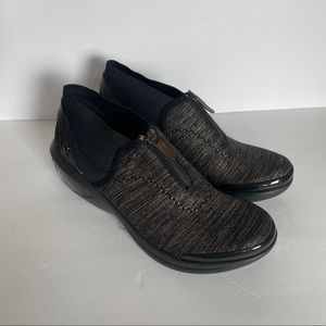 Bzees slip resistant zip up shoes -10W